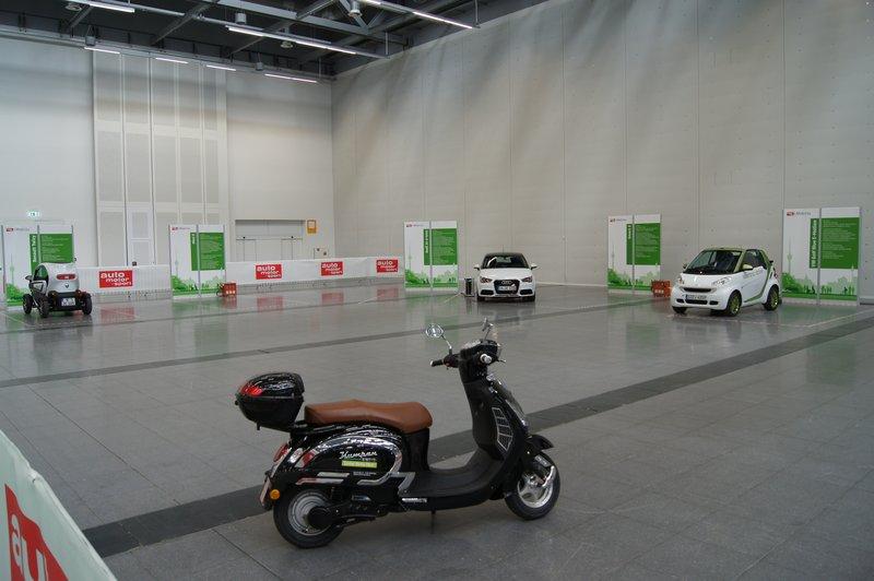 Wie im echten Leben: Viele Elektroautos gibt es auch auf der i-Mobilty nicht, Foto: e-Rad Hafen