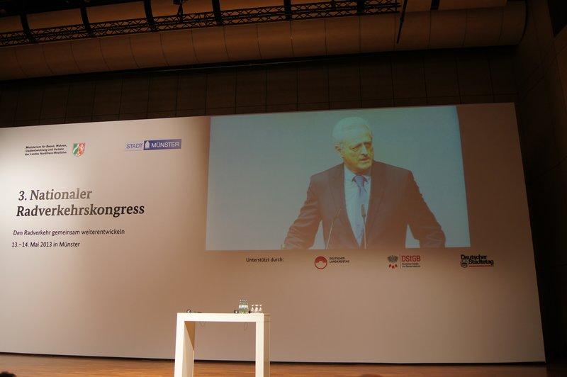 Minister Ramsauer spricht, Foto: e-Rad Hafen